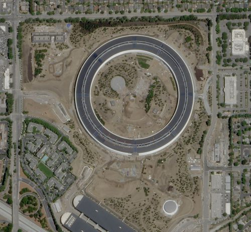 Apple Park seen from the sky. The building is a circle a mile around.