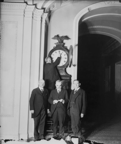 Clock in Ohio turned forward for the first Daylight Saving Time in 1918