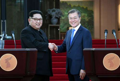 The leaders of North Korea (Kim Jong Un, left) and South Korea (Moon Jae In, right) agreed to try and bring peace to their countries.