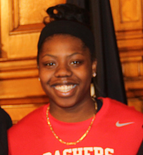 Arike Ogunbowale won the game with a 3-point shot with less than a second left.