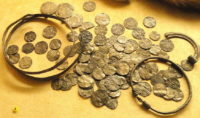 The coins found were like these coins belonging to Vikings in the Museum of Finland.