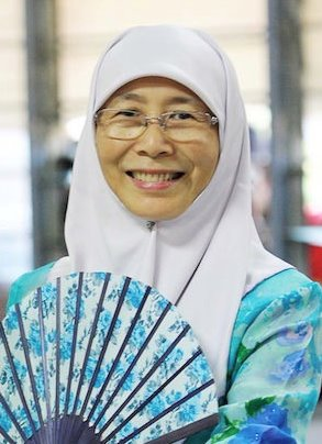Wan Azizah, Anwar Ibrahim's wife.