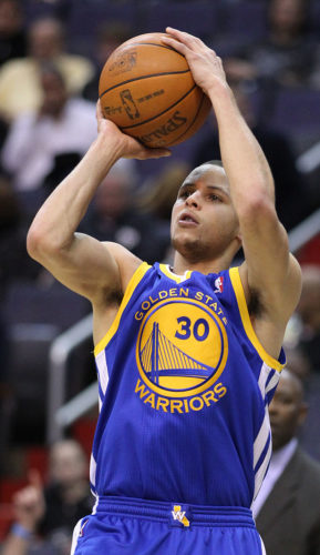 Stephen Curry of Golden State Warriors scored 37 points.