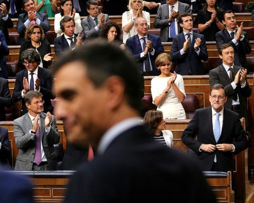 Mr. Sánchez (front) got enough votes to replace Mr. Rajoy (bottom right) as prime minister.