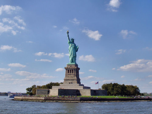 The Statue of Liberty in New York is a famous symbol of the US.