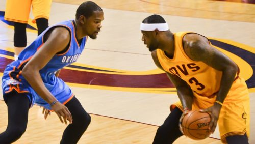 Kevin Durant (left) and LeBron James (right) in 2015.