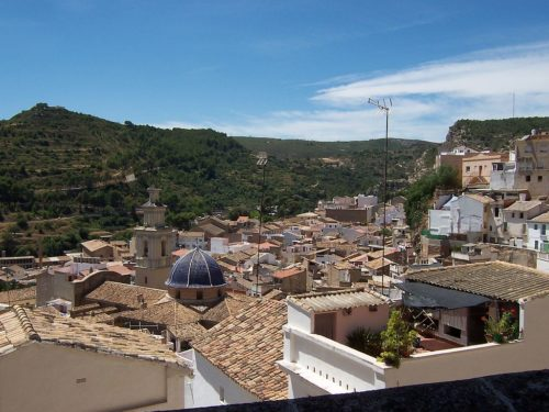 Overview of Buñol rooftops.