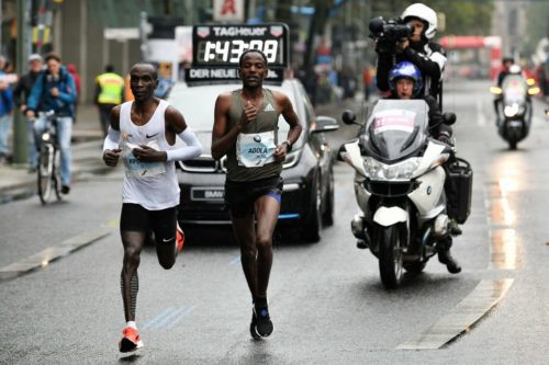 Eliud Kipchoge (left) and Guye Adola in the 2017 Berlin Marathon.
