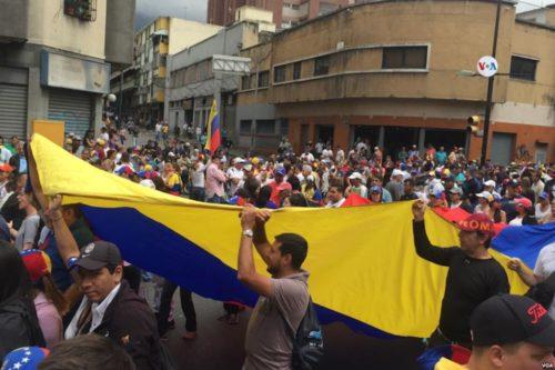 Thousands of protesters march in Caracas, Venezuela for Juan Guaidó./Miles de personas se concentrarn en diferentes puntos de la ciudad en Caracas, Venezuela para participar de la marcha convocada por la Asamblea Nacional contra el régimen de Nicolás Maduro.