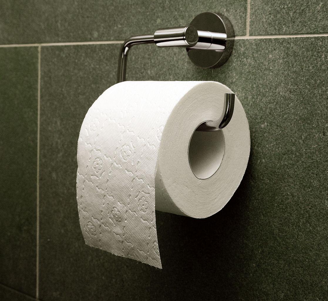 "Toilet paper, orientation ""over"""
