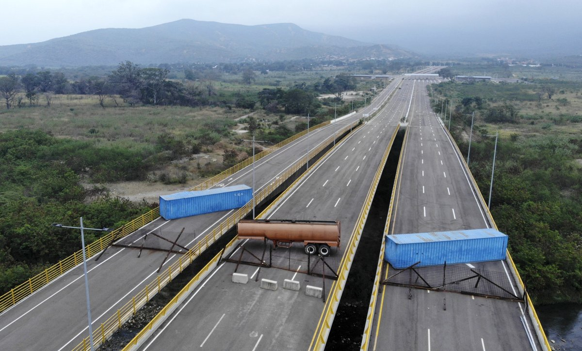 Las Tienditas International Bridge, which has never been opened, blocked by the Government of Maduro to prevent unauthorized entry into Venezuela, viewing the Venezuelan side of the bridge.