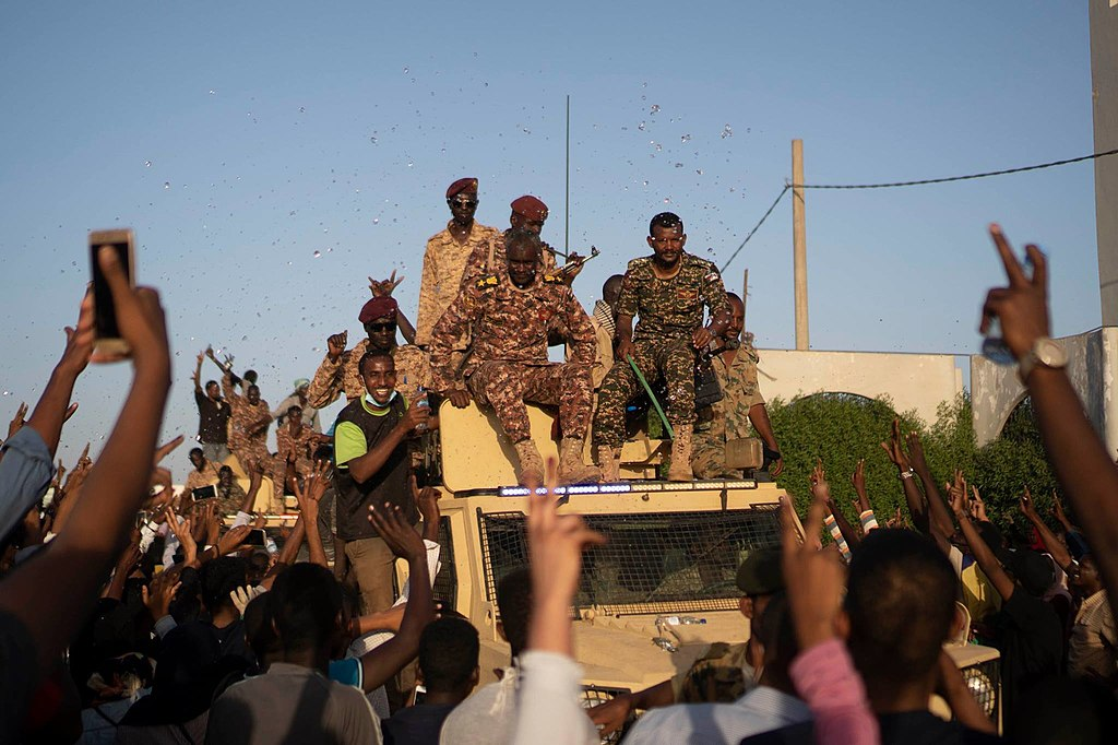 Part of the sudanese Army defended protestors against security forces