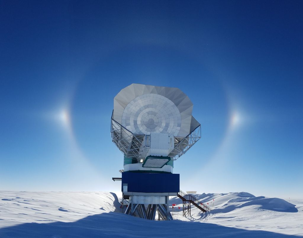 The South Pole Telescope is located in Antarctica, the most extreme location of the eight telescopes in the Event Horizon Telescope Array. It is one of two in the array managed by the University of Arizona. Photo credit: Junhan Kim, The University of Arizona.