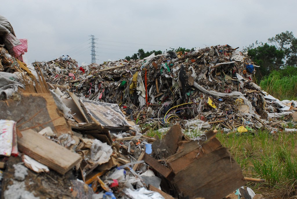 Taiwan - Illegal Dumping - Dumped in Sept-07 near HSIP