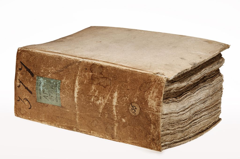 Measuring 144 mm, AM 377 fol. is the thickest manuscript in the Arnamagnæan Collection.