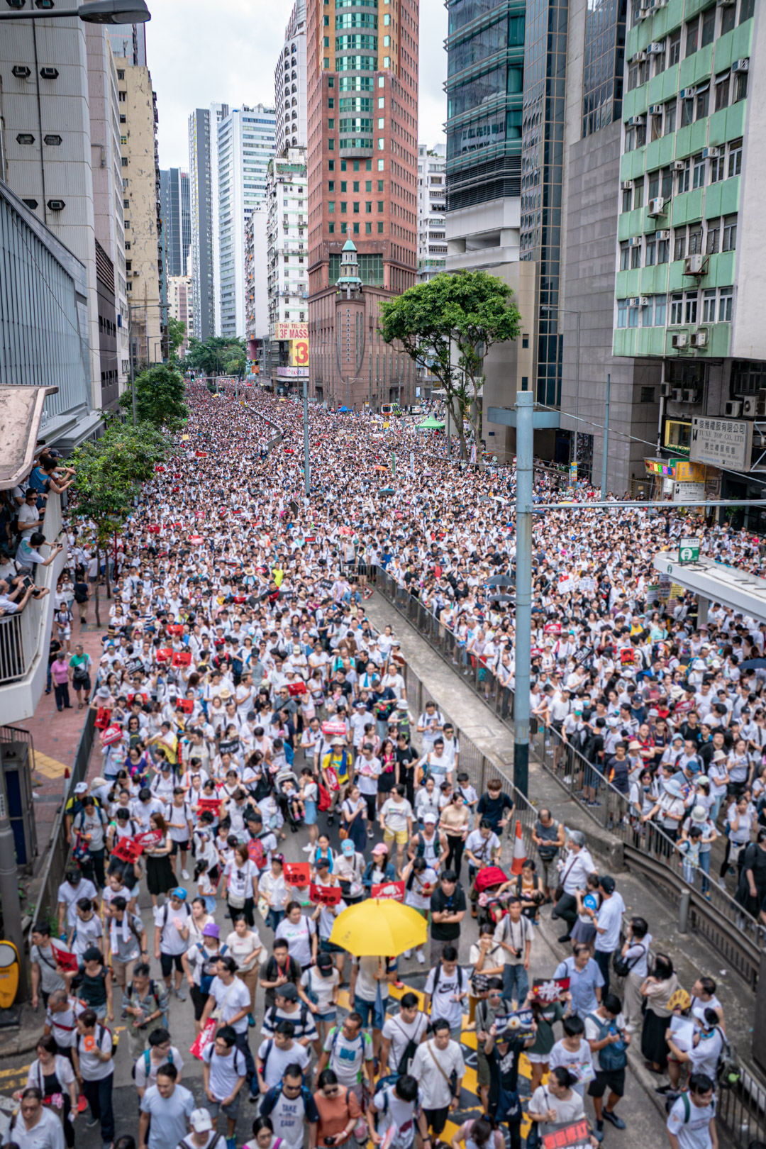 June 9 Hong Kong demonstration, at Arsenal Street, capturing Hennessy Road, Admiralty.