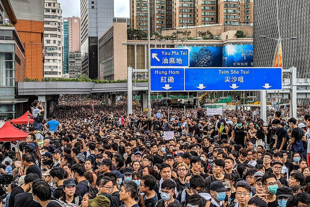 2019 Hong Kong anti-extradition law protest on 7 July 2019 in Tsim Sha Tsui, captured by Studio Incendo from Flickr.