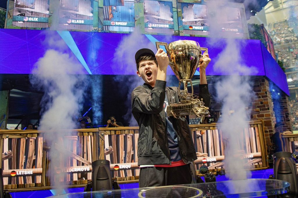 "Kyle, ""Bugha"" with winner's cup."