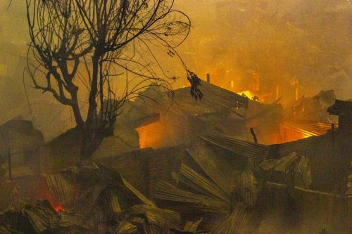 Fire destroys hundreds of shanties in Mirpur slum in Dhaka