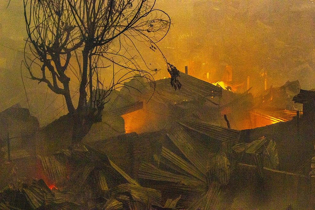 Fire destroys hundreds of shanties in Mirpur slum in Dhaka