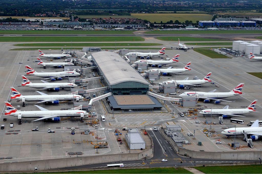 British Airways aircraft at Heathrow Terminal 5C
