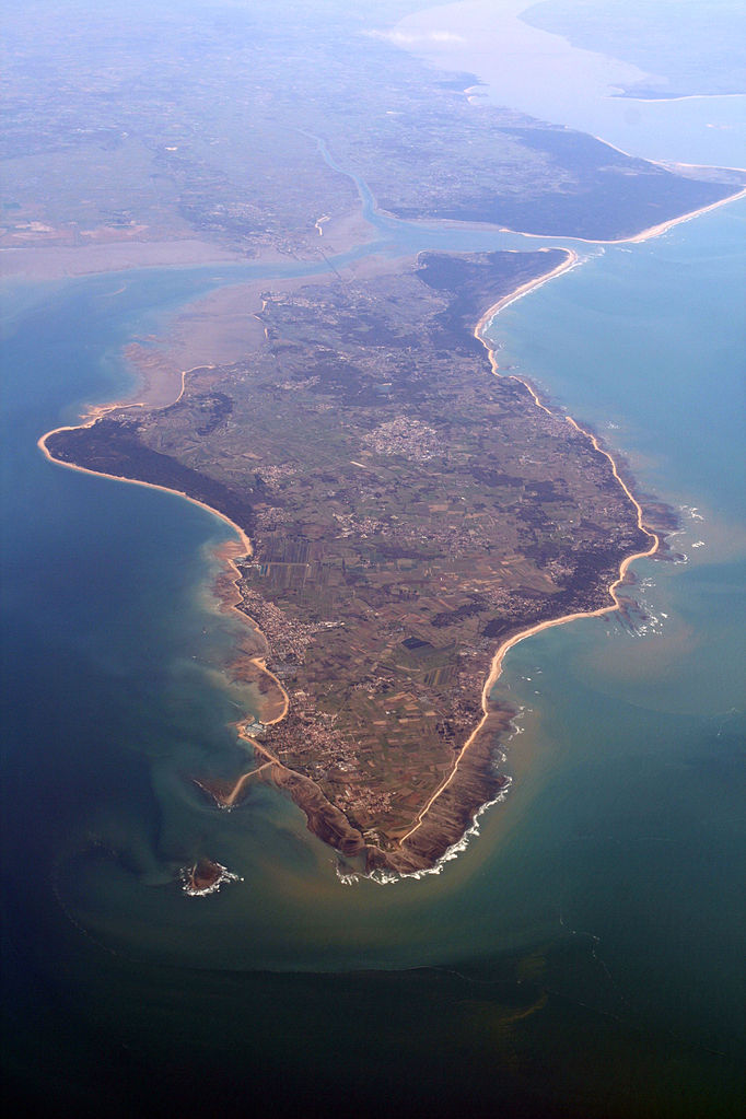 Aerial view from the northwest of l'île d'Oléron, France.