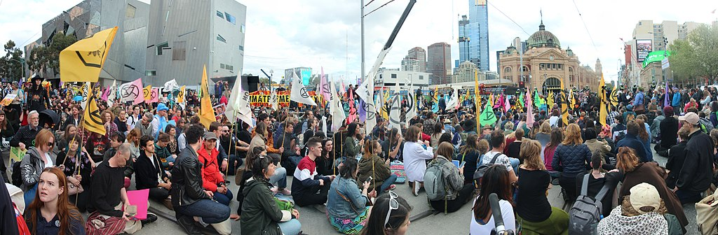 Swarming the streets and intersections in Melbourne CBD highlighting we have a climate emergency, governments need to Tell the Truth, act commensurate with what the climate science says we need to do to address the climate crisis. Part of the Spring Rebellion by Extinction Rebellion.