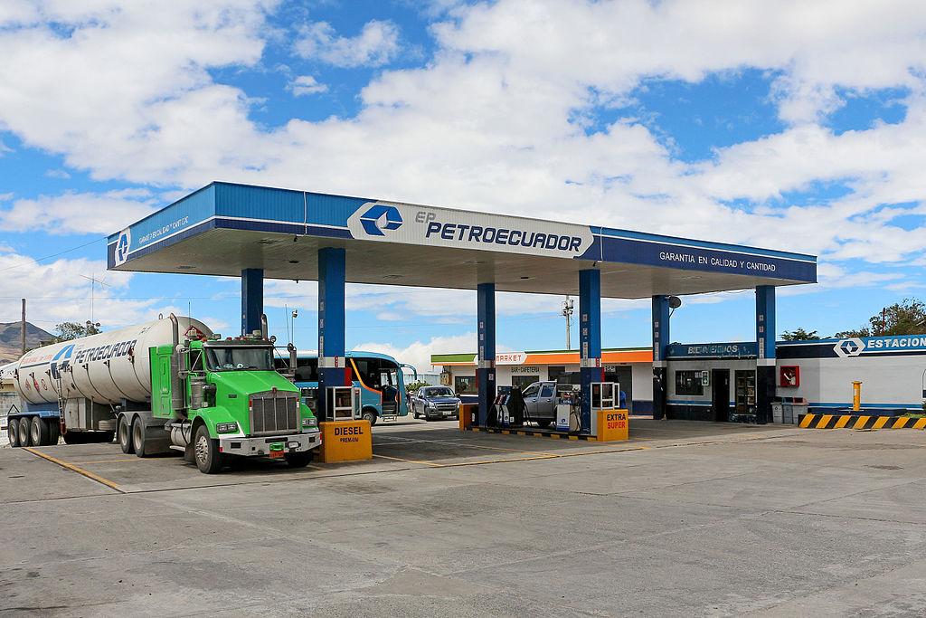 Petroecuador petrol station on the Pan-American Highway, Ecuador