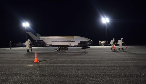 X-37b lands at NASA Kennedy Space Center Shuttle Landing Facility 2019, Oct. 27