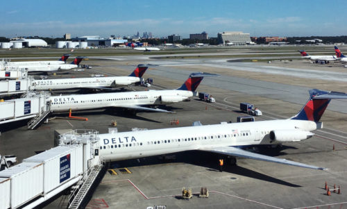 Delta Planes off of Delta Atlanta Concourse B ramp