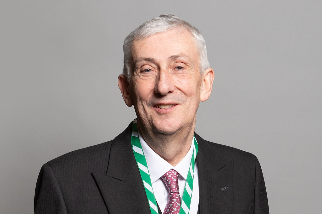 Official portrait of Rt Hon Sir Lindsay Hoyle MP