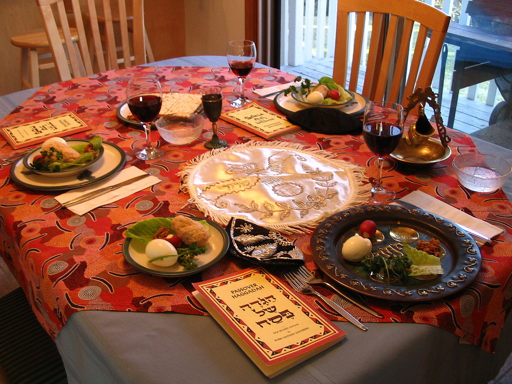 A casual Passover seder table setting. Photo by RadRafe on 24 April 2005.