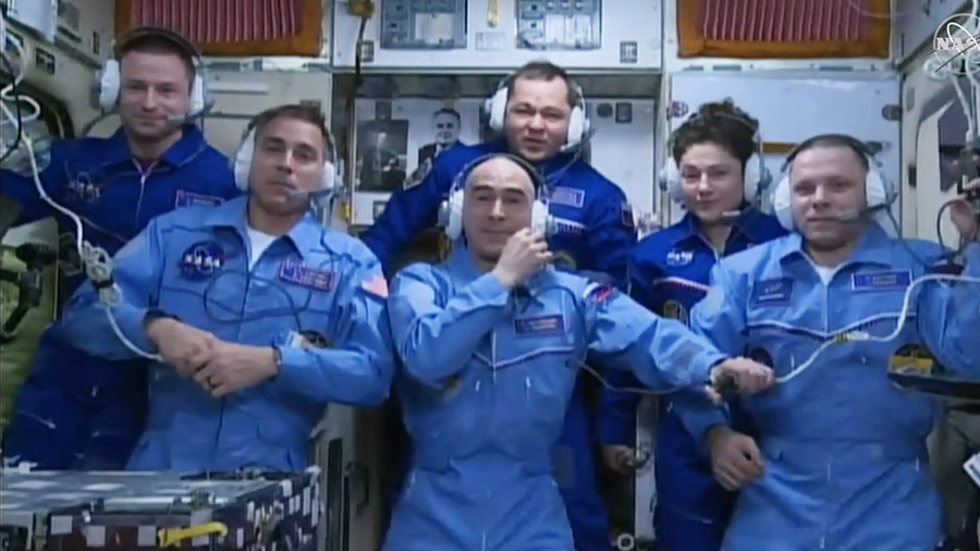 The new Expedition 63 crew joined the Expedition 62 crew today a board the International Space Station. (Front row from left) NASA astronaut Chris Cassidy and Roscosmos cosmonauts Anatoly Ivanishin and Ivan Vagner. (Back row from left) NASA astronaut Andrew Morgan, Roscosmos cosmonaut Oleg Skripochka and NASA astronaut Jessica Meir.