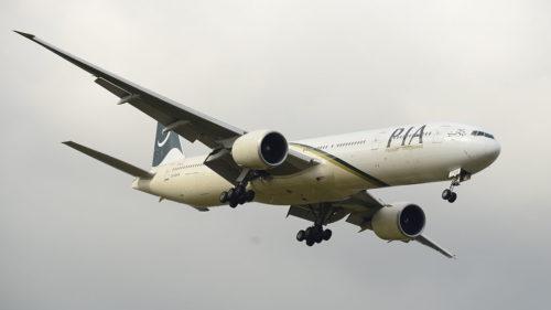 Pakistan International Airlines AP-BHW Boeing 777