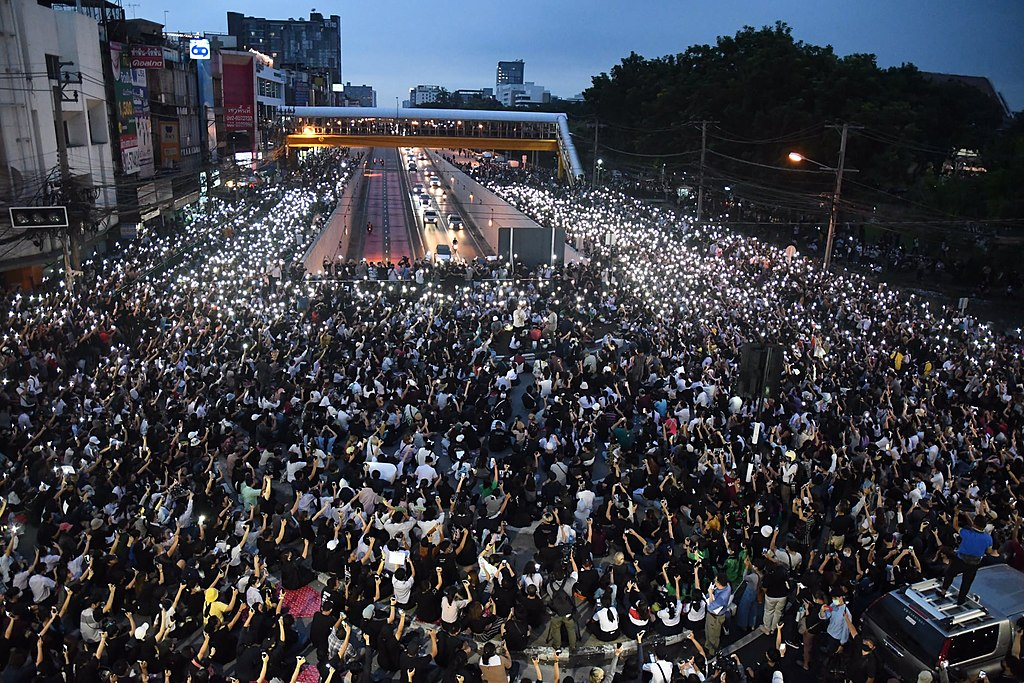 Photos from the anti-government protests at Kaset Intersection on Monday evening. Demontrators have adopted the tactic of 'daily rally,' convening every evening at different places for a brief show of force instead of camping out in one area. (Khaosod English) 19 October 2020