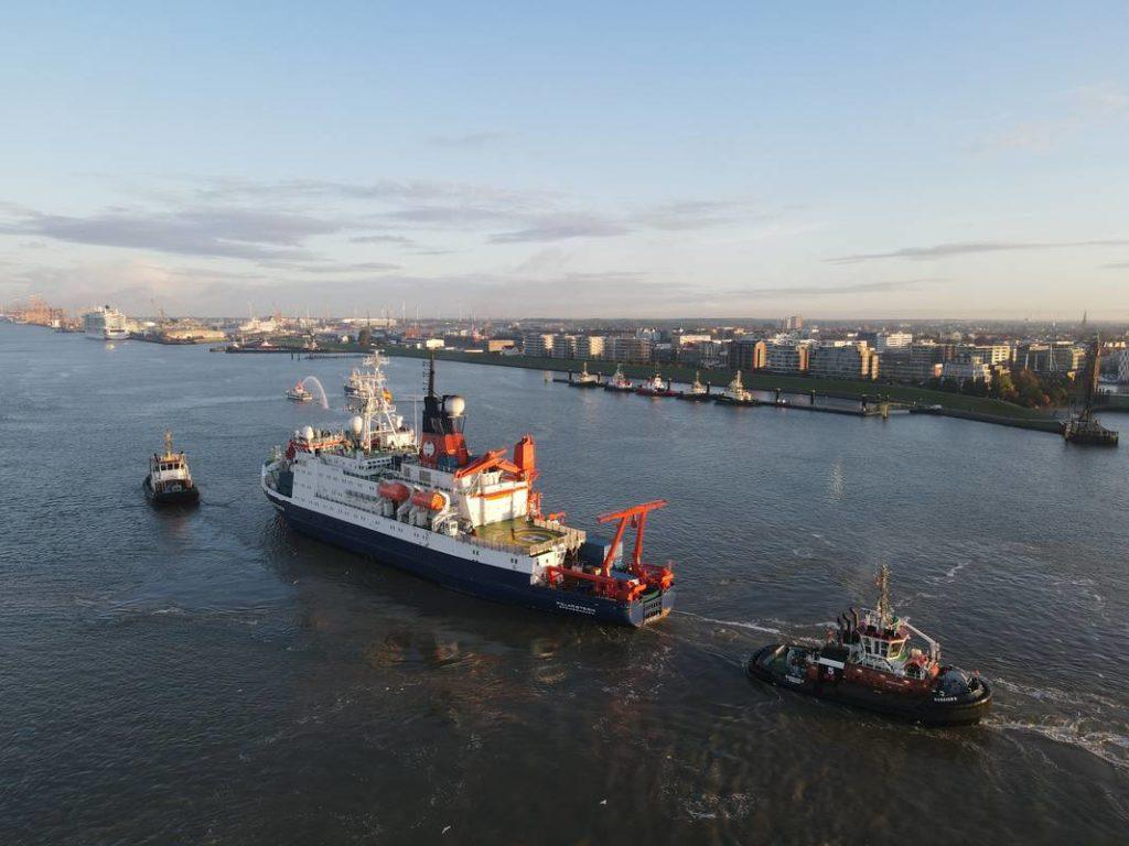 RV Polarstern arriving in Bremerhaven.