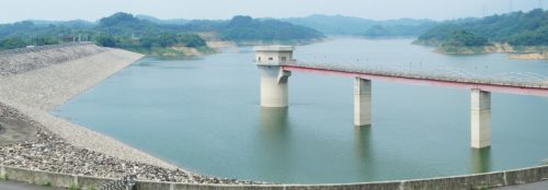 Low level of water in Baoshan Number 2 Reservoir, 2011.