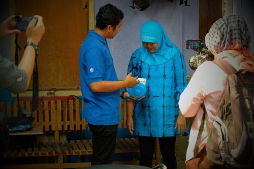 Community release of Wolbachia treated mosquitoes in Yogyakarta, Indonesia.