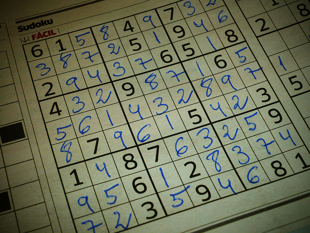 Finished Sudoku puzzle, printed in a Spanish newspaper.