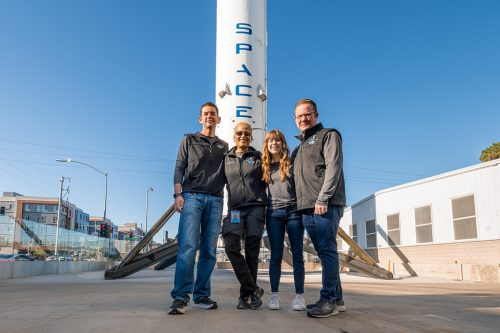 Inspiration4 crew with Falcon 9 B1019 in Hawthorne
